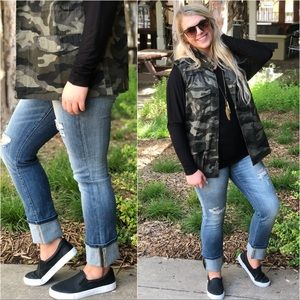 PLUS SIZE Cuffed Distressed Jeans